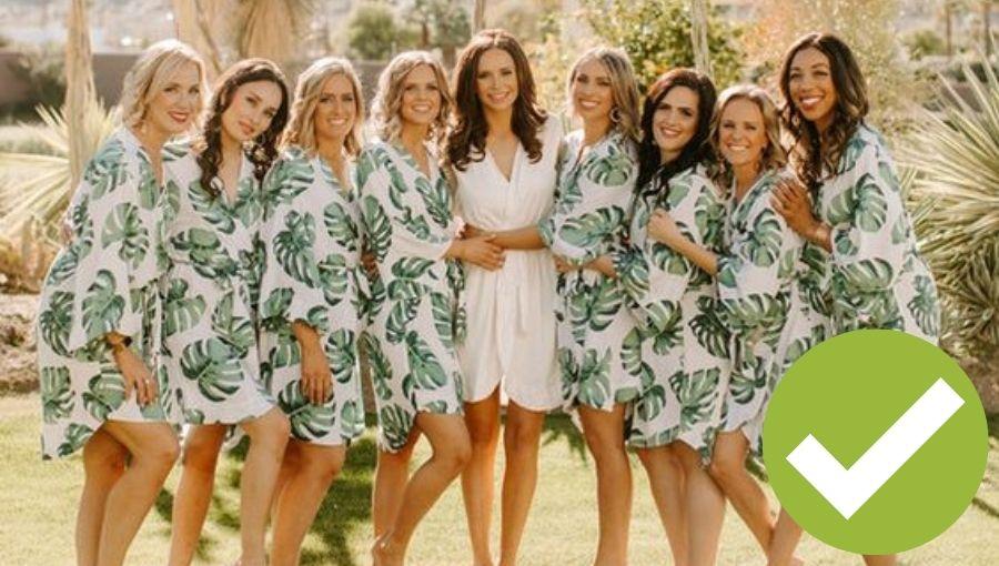 damas de honor con batas